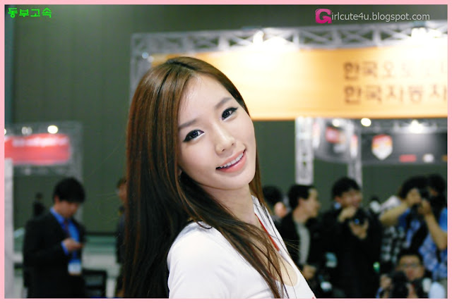 5 Lee Ji Min - Automotive Week 2012-very cute asian girl-girlcute4u.blogspot.com