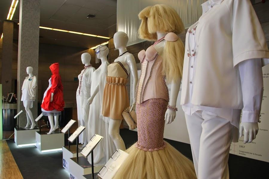 donde estudiar diseño de moda escuelas y clases de diseño de moda