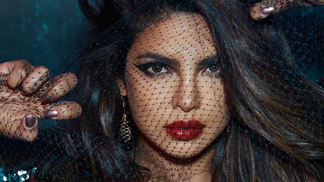 Vẻ đẹp rực lửa đầy cuốn hút của hoa hậu thế giới Ấn Độ Priyanka Chopra - 22