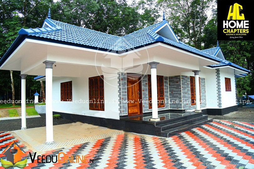 Stunning 3 Bedroom Traditional Low Cost Kerala Home Design in 1700