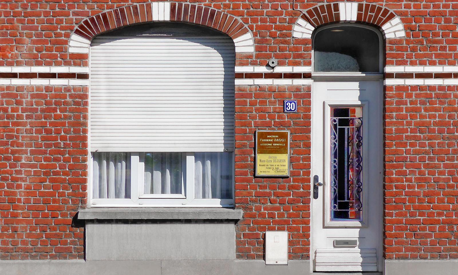 La façade du cabinet du Docteur JAGGI