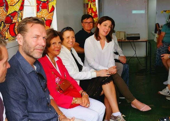 Queen Silvia of Sweden visited Philisa Abafazi Bethu in Lavender Hill and Project Playground