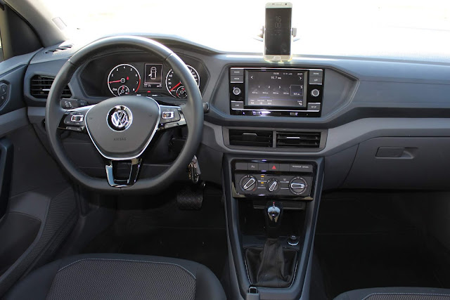 Volkswagen T-Cross 200 TSI Automático - painel