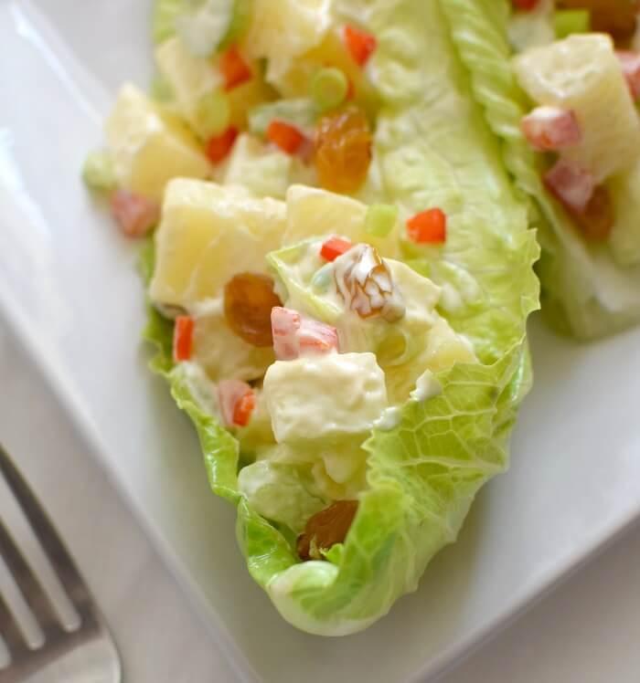 Ensalada festiva de papas y manzanas, muy rendidora y fresca, perfecta para acompañar una comida copiosa