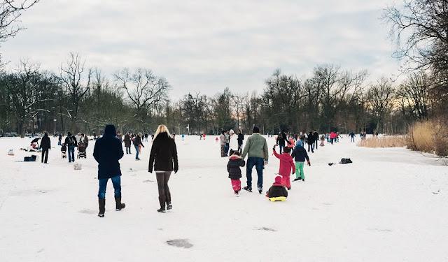 Parque Vondelpark em Amsterdã no inverno
