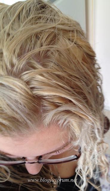 saçı açarak Palette Deluxe 10-2 Platin Sarı boyama 2