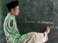 Tanpa 2 Lengan, Pak Guru Untung Tetap Semangat Mengajar Meski Hanya digaji Rp 300 Ribu