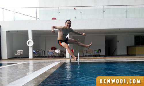 novotel hotel swimming run