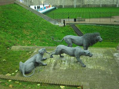 Esculturas de leones en la Torre de Londres