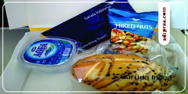 Isi Snack box Penerbangan Garuda Indonesia di bawah 1 (satu) jam | adipraa.com