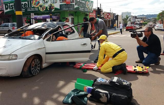 Simulação de acidente de trânsito chama atenção em Cacoal