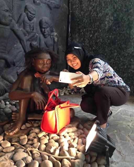 foto manusia purba di museum sangiran