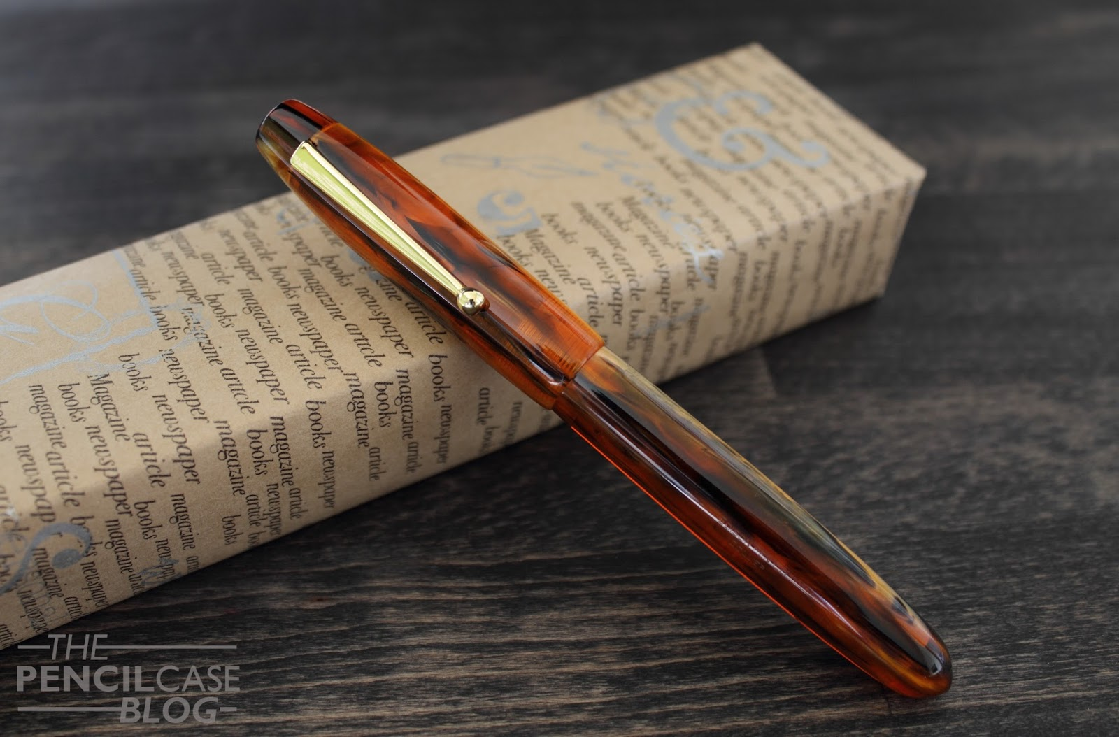 Antique Marble Edison Collier Fountain Pen Gold Trim