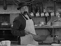 """Кадр из фильма Чарли Чаплина """"Собачья жизнь"""" / A Dog's Life (1918) - 8"""