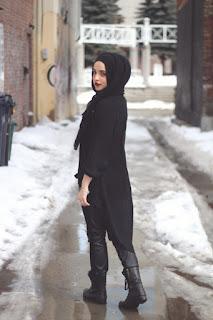 gaun dan gamis hitam untuk kamu yang suka petualangan.