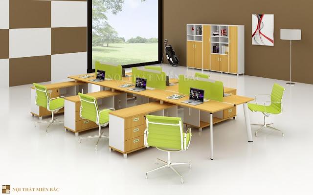 thiết kế nội thất nhập khẩu với tấm vách ngăn màu sắc nổi bật