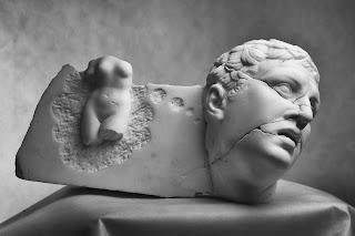 http://eatlovesavor.com/artist-spotlight-sculptor-michal-jackowski-elegantly-appropriating-classics/