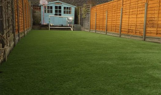 Knowing about the advantages of Installing Synthetic Turf on your lawn