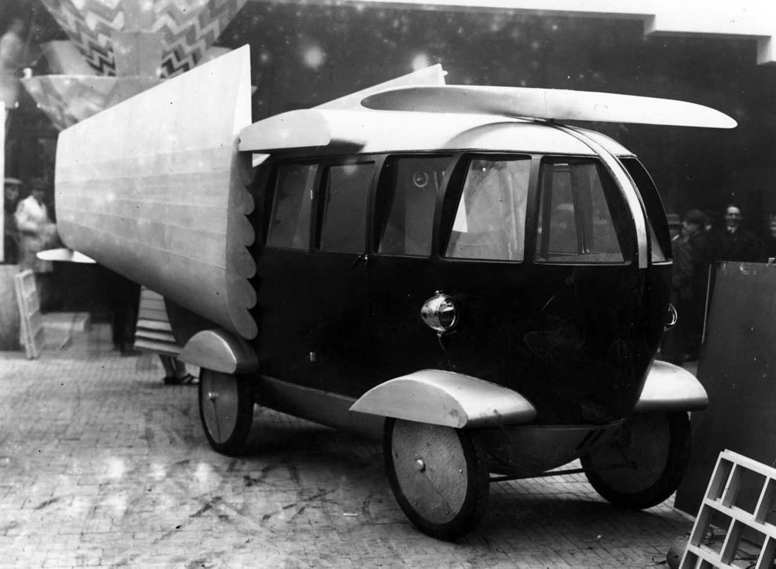 A combined car, boat and airplane. 1928.