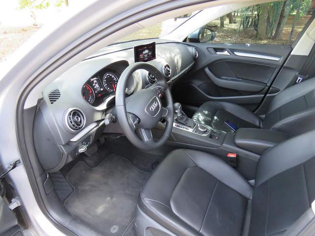 Audi A3 Sedan 1.4 Flex - espaço interno