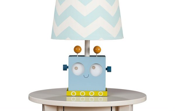 Lampu meja merupakan salah satu benda yang sering kita lihat di  Lampu Meja Lucu untuk Kamar Tidur Anak