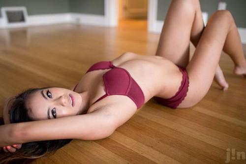 Sunny Fae, Asian Girl, Legs, Feet. Toes