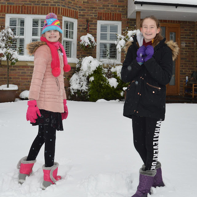 Stephs two girls in snow Dec 2017