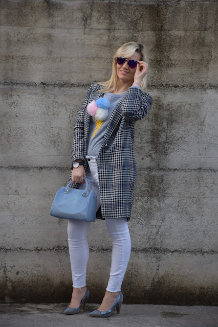 outfit jeans bianchi come abbinare i jeans bianchi abbinamenti jeans bianchi mariafelicia magno fashion blogger colorblock by felym fashion blogger italiane blogger italiane di moda outfit febbraio 2017 web influencer italiane jeans bianchi street style