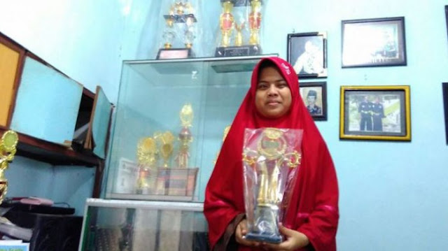 Gadis Tunanetra Hafal Al Qur'an Sejak 5 SD, Ini Rahasia Yang Dilakukan Ibunya Saat Kecil