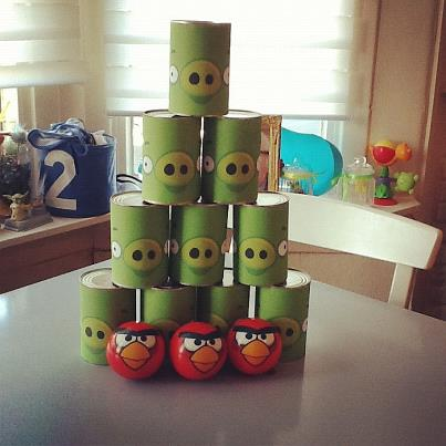 Angry Birds can bowling