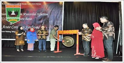 Irwan Prayitno (Gub. Sumbar) Buka launching ST-Elavation Myocardial Infaction (iSTEMI) Cab. Sumbar