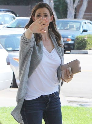 Jennifer Garner gets annoyed with persistent harassment of the paparazzi