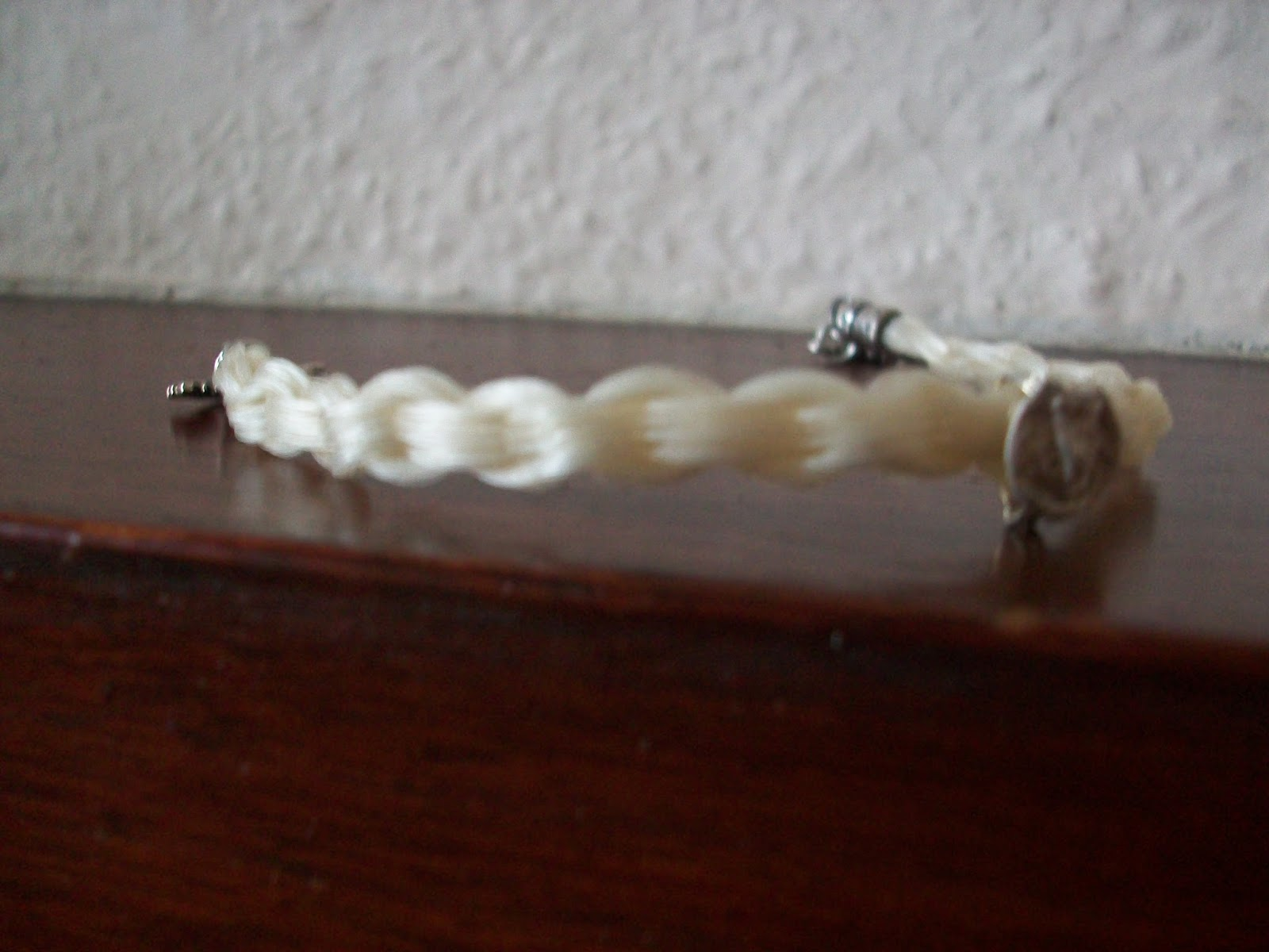 The horsehair bracelet project how to make a 12 strand rounded flat kumihimo braid solutioingenieria Image collections