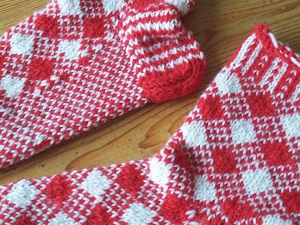 Sanquharin ruutusukat - Sanquhar pattern socks