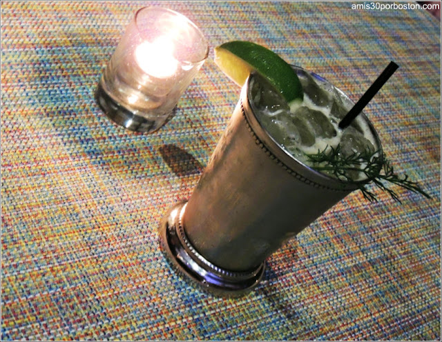 Cóctel del Bar del Hotel Yotel en Nueva York
