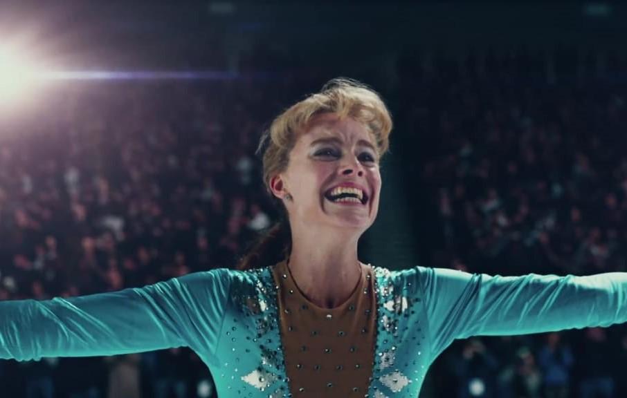 """Margot Robbie vive polêmica patinadora no trailer de """"I, Tonya"""""""