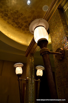 sophisticated light fixture in Abu Dhabi Emirates Palace