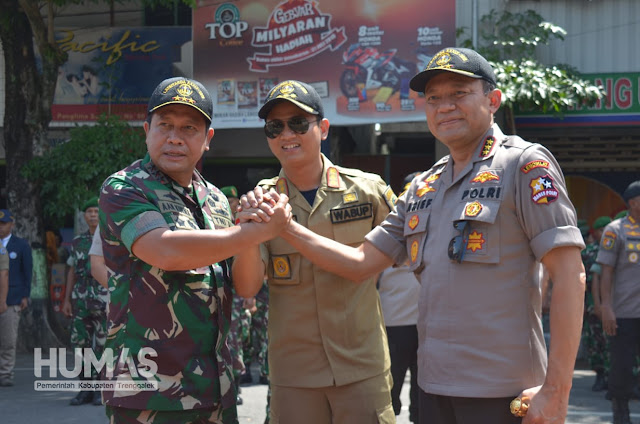 Danjen Akademi TNI Bersama Kalemdiklat Polri Tinjau Pelaksanaan Latsitardanus XXXIX di Trenggalek