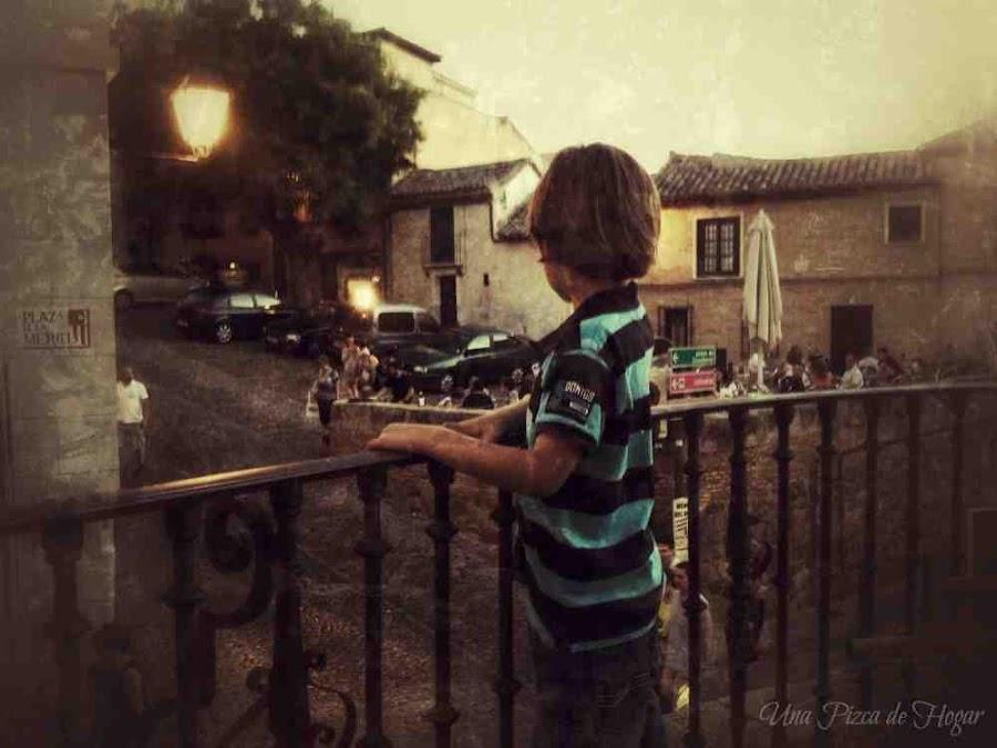 Atardecer-Toledo-niño-Balcón