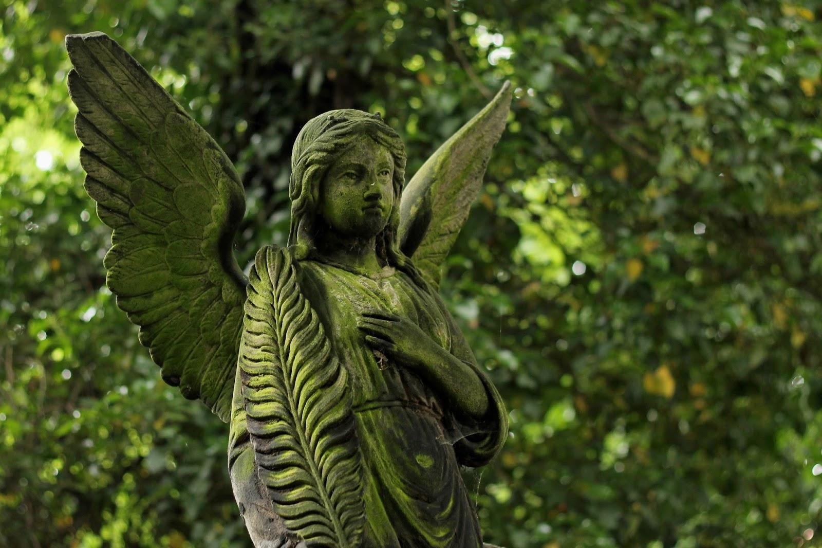 Statuie înger
