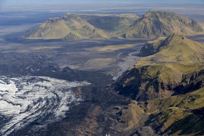El volcán se encuentra en el sur de la Isla