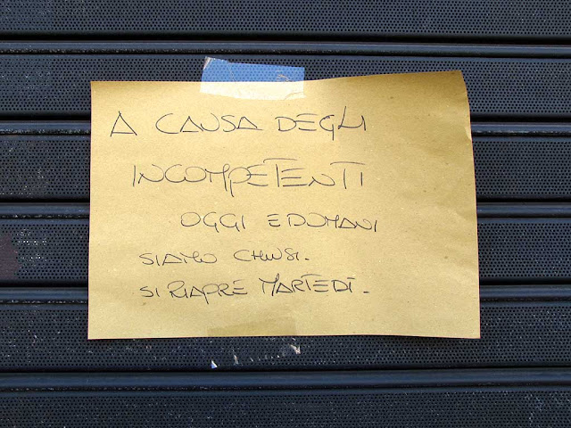 Sign about incompetents, Livorno