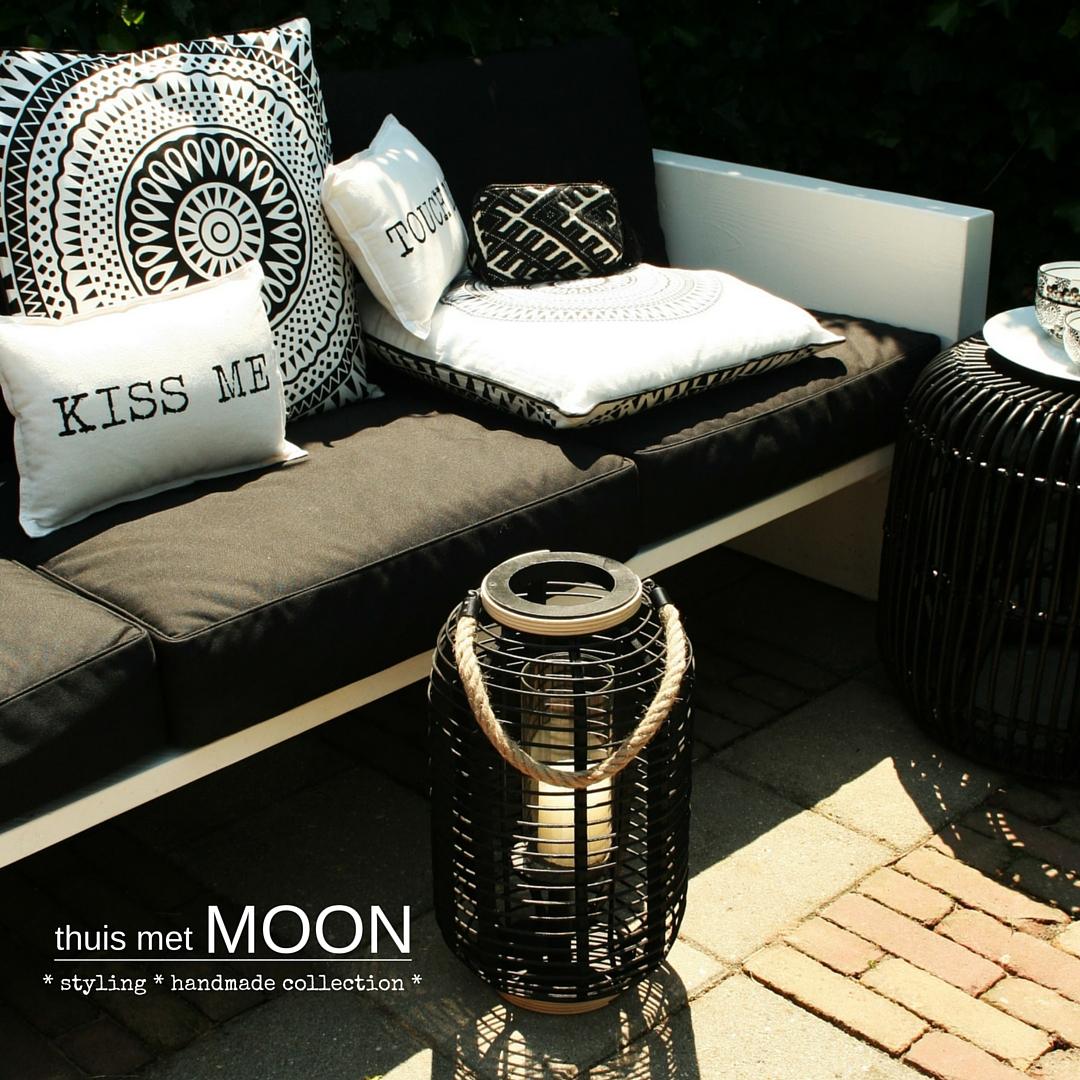 thuis met Moon