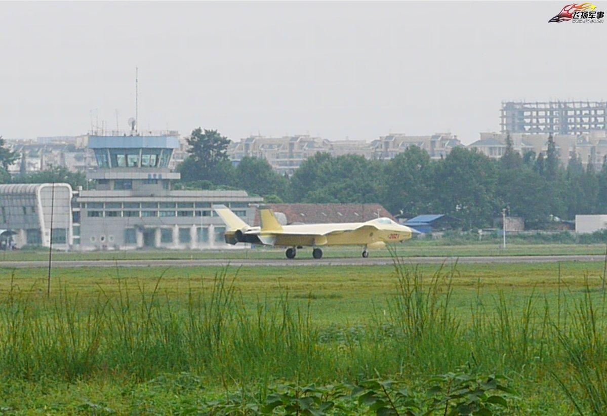 J-20b02.jpg