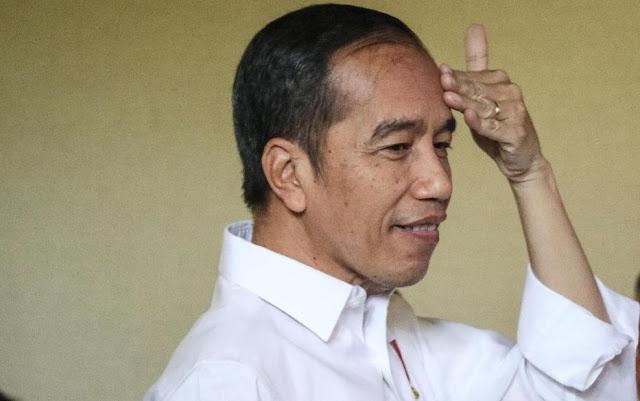 Ditanya Soal Demo Guru Honorer Depan Istana, Jokowi Bungkam dan Melengos Pergi