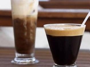 Tρία σημάδια ότι μάλλον πίνετε πολλούς καφέδες