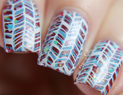 Christmas Nail Art   Emily de Molly + Baroness X + Stamping