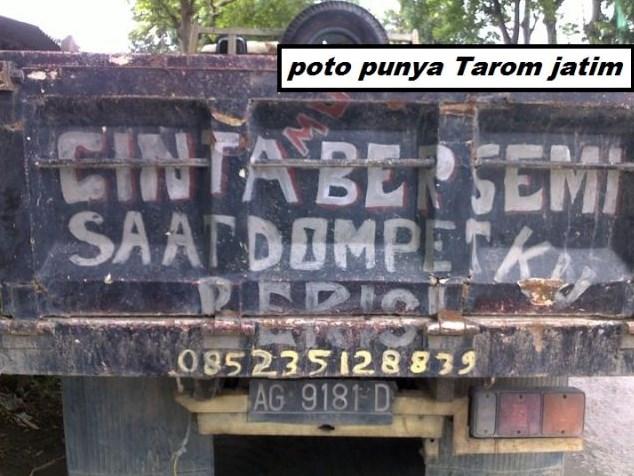 tulisan di belakang bak truk yang aneh nyeleneh dan unik