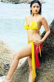 Bikini Bollywood Alia Bhatt4.jpg