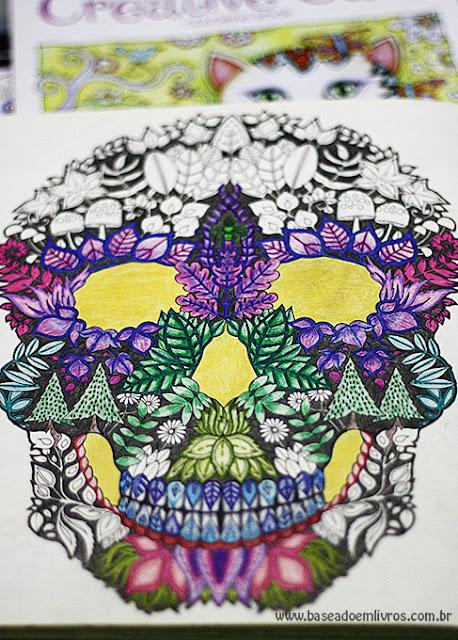 Livro de colorir caveira